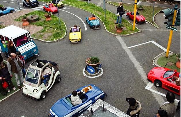 parco_scuola_traffico