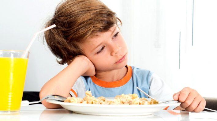 bambini mangiano poco